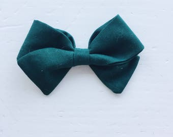 Medium Zoe Bow on reversible alligator clip - Forest Green