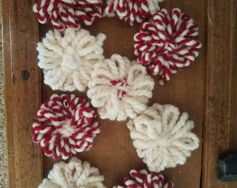 Crochet red and white flowers
