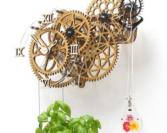 Plantitime Light, funki wall art clock themed for gardeners