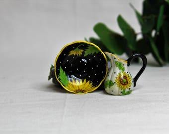 Dollhouse Miniature Pitcher and Bowl, Semi Matte Finish Porcelain, Hand Painted with Sunflower Design, Gold Trim, Vintage Style