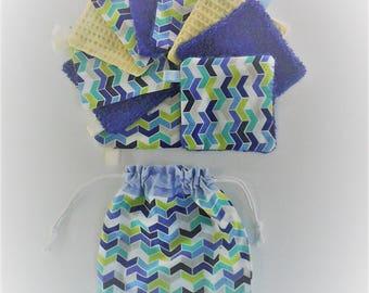 Lingettes  par 10 et pochette de rangement ,cadeau  naissance ,cadeau femme,tissu a chevrons bleus et blancs ,doublées d'éponge ,fait-main .