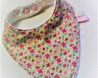Bavoir  Liberty,cadeau de naissance,fille,coton et éponge,cadeau bébé,bavoir bandana,bavoir écharpe.