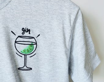 Embroidered unisex classic Gin Tshirt in grey