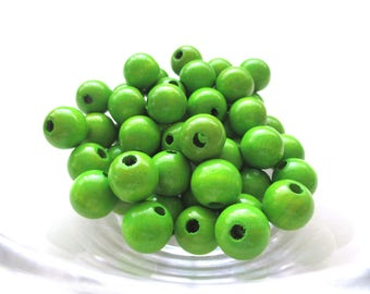 50 wooden pacifier clip 8 mm - Apple green beads