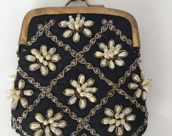 Bougainvillea Black and Pearl Beaded Coin Purse