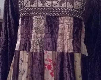 Long velvet dress embroidered Brown
