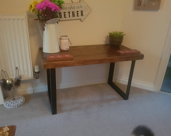 Reclaimed material table