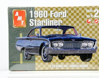 Sealed Rare Vintage AMT 1960 Ford Galaxie Starliner 1/25 Scale 31973