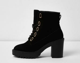Chunky block heel boots - Lace-up Black Ankle Boots