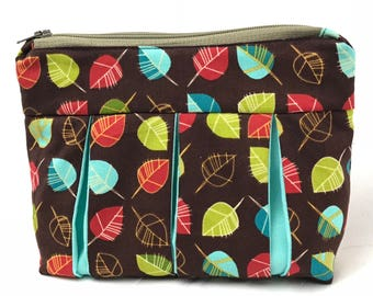 Bright Leaf Pleated Zipper Pouch