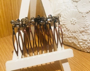 Metallic beaded comb
