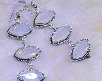 Earrings in silver and opalite. Vintage earrings. Vintage earrings. Silver earrings. Earrings with natural stones. Amanara jewelry
