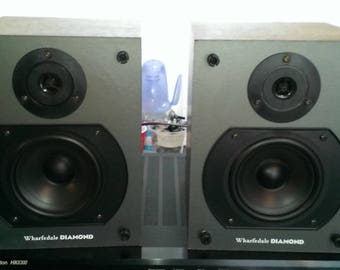 Beautiful Vintage speakers system Wharfedale Diamond the first model