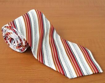 Vintage DAKS Mens Silk Necktie Casual Suit Neck Tie 088