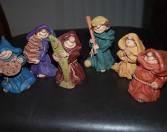 Vintage ''Frier Folk ''Maureen figurines,lot of 6-1996-1998.collectibles