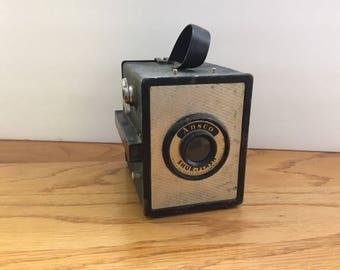 Vintage Shur-Flash Box Camera c.1940-1960
