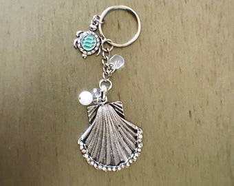 Shell and turtle key chain