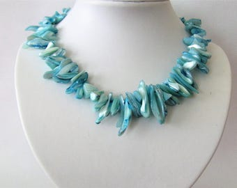 Statement necklace mother of pearl