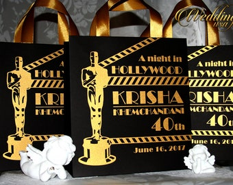 20 Hollywood Birthday Gift Bags with Oscar, gold ribbon and tag, Personalized Cinema Welcome Bags - Hollywood Glam - Anniversary gift Bag