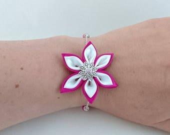 Bracelet chain flower kanzashi fuchsia and white.
