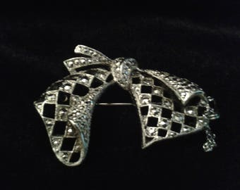 KIGU Bow Brooch in silver tone  1930's