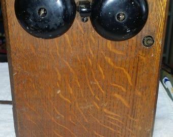 nice 4 bar crank telephone magnito and in original quarter sawn oak box