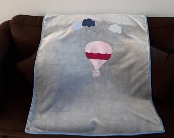 Large baby blanket, gray cloud and balloon