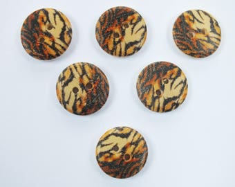 SET of 6 wood buttons: round fancy 18mm (No. 01) pattern