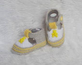 baby Teddy 0/3 month gray yellow white handknit baby wool