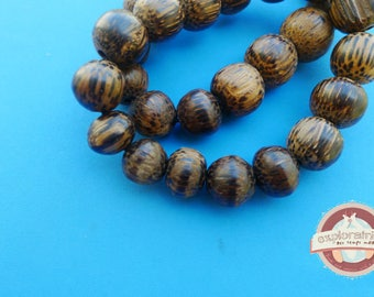 12 Brown Palm wood beads round 15 Mm