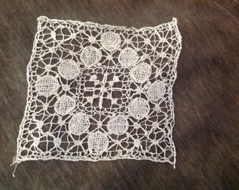 inlay bobbin lace square