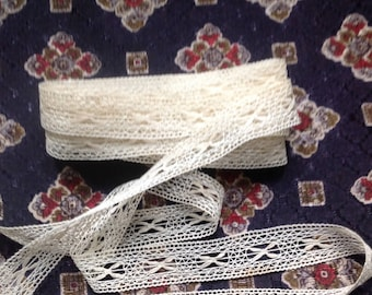 Antique bobbin lace type lePuy