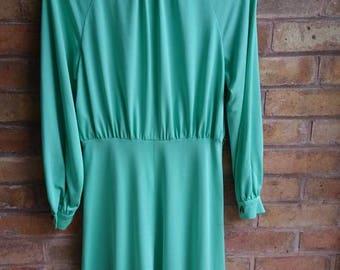 80s vintage green long sleeved dress