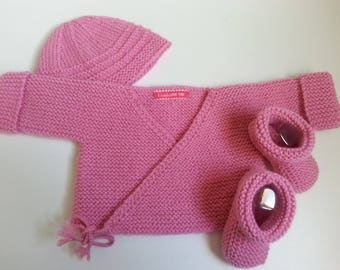 Bra hides backed pink heart, little feet & bonnet 0-3 month - birthday gift idea