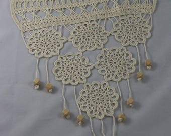 Wood curtain lace crochet with beads