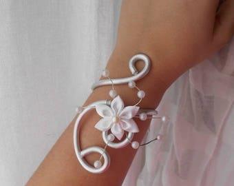 """""""TINA"""" wedding bracelet with white satin flower"""