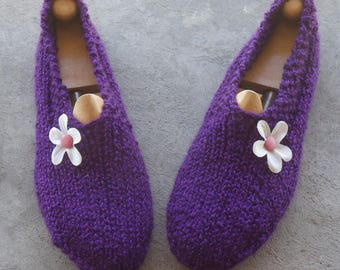 Slippers adult woman 38/40 wool, accented with a crochet flower