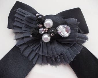 Brooch bow tie, black and grey with black and white beads