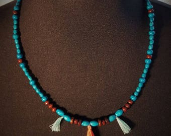 MARABOU wood necklace in two colors and tassels