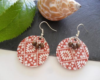 Earrings with sequins, beads and paper