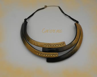 Necklace gold and black strips