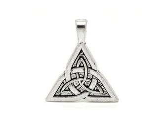 10 charms triangle knot of Sidhe 28x24mm within 15 days