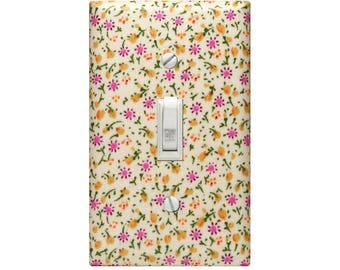 Retro Vintage Feel Mini Floral Fabric Light Switch Cover Decoupaged Switchplate Nursery Bedroom Living Room Home Decor Wall Outlet Cover