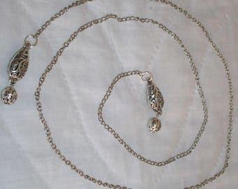 Very nice simple cross necklace