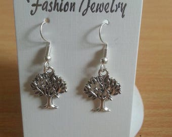 Simple charm earrings made by hand