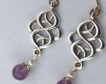 Earrings Amethyst stones, pearls and silver connectors