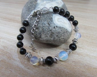 "Natural stone black and white ""Chiaroscuro"" bracelet"