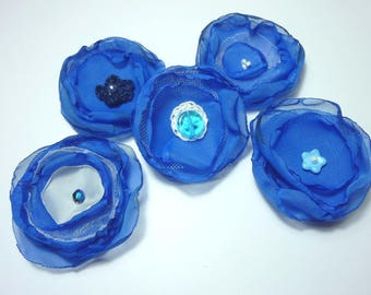 set of 5 fabric flowers, organza and crochet blue and white