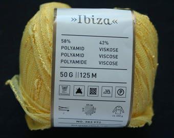 Yellow ball of Rico Design Ibiza Fabre 001