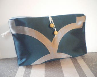 toilet bag blue and silver pendant